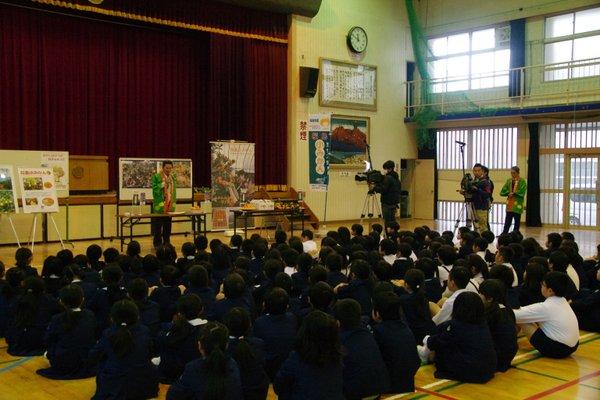 西陵小学校3年生の児童130名の皆さん