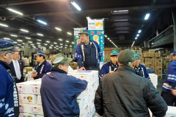 こちらは鹿児島中央青果市場㈱様のセリの様子